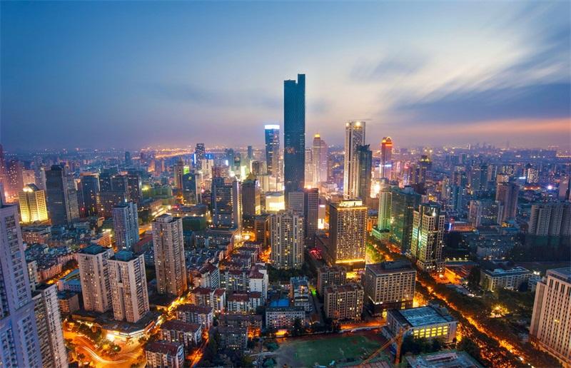听取澳星建议,刘先生赶上香港投资移民末班车