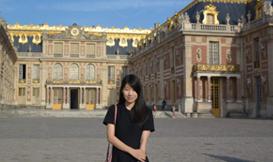 法国巴黎凡尔赛宫前留影
