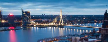 到拉脱维亚旅游,最美的风景是当地的美女?