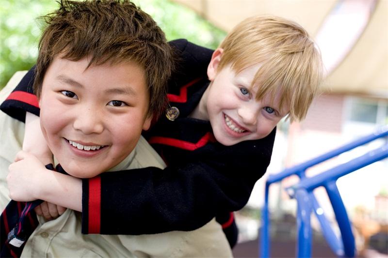 父母是否可以一起移民新西蘭?對家屬什么態度?